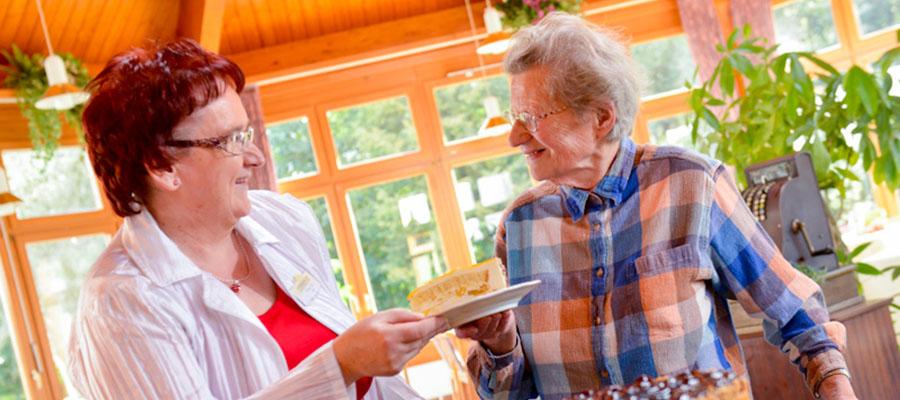 Café - Stiemerling Stationäre Betreuungs- und Pflegeangebote